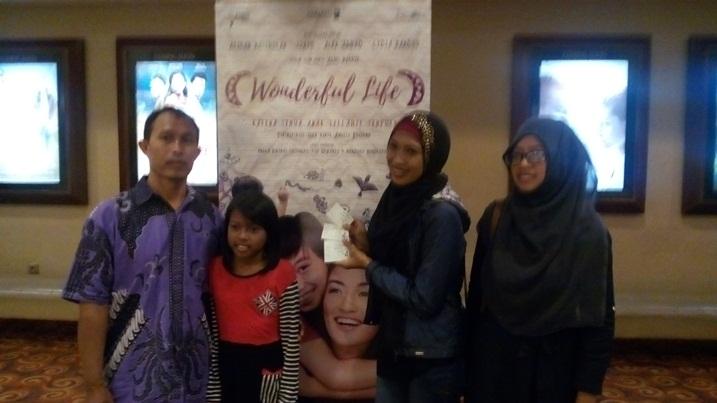 film-keluarga-wonderful-life-indonesia-psikologi-terbaru-www-selamethariadi-com