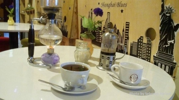 Minum Secangkir Kopi Nusantara di Alexa Cafe Malang-www.selamethariadi.com-