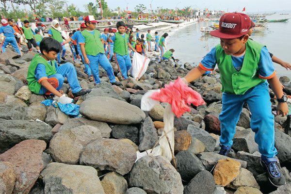 Lautku Bebas sampah Plastik,Indonesia bebas Sampah 2020 www.SelametHariadi.com