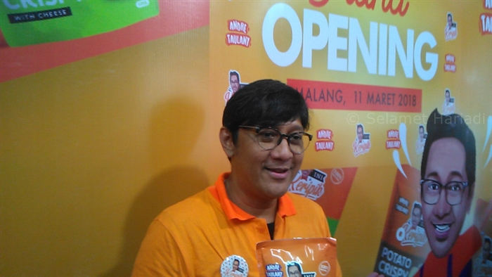 Ini Keripik Andre Taulany Rasanya Apik Oleh Oleh Artis Khas Malang Terbaru Konferensi Pers www.selamethariadi.com