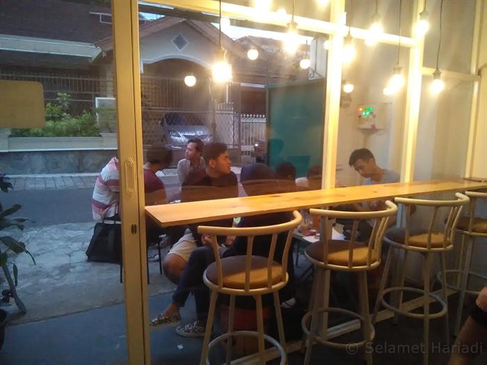 Didol Ae Coffee & Friends Kedai Kopi Konsep Hommy & Simpel (18)