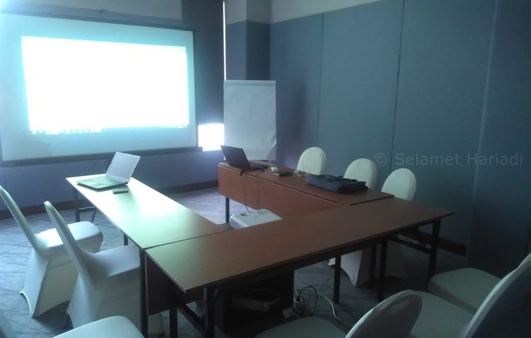 Meeting Room : Sawunggaling (dok. pribadi)