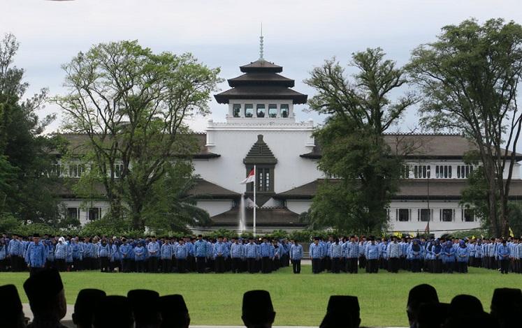 GEDUNG SATE BANDUNG JAWA BARAT Paket Wisata ke Bandung selamethariadi.com